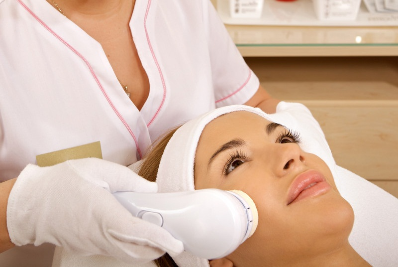 equipment for cosmetic dermatology clinic Laser equipment for perfect for a variety of treatments in any busy cosmetic clinic treat moderate to severe acne and other persistent dermatology.