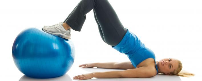 Польза от фитбола и рекомендуемый комплекс упражнений